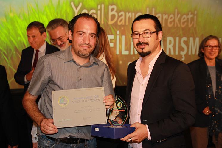 Senarist Engin Aluç (solda) ve Yönetmen Mert Yusuf Özlük